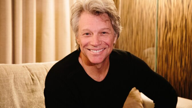 Jon Bon Jovi otevřel dvě restaurace, ve kterých se servíruje jídlo zdarma lidem v nouzi