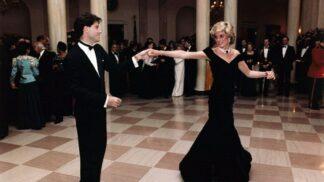 Za kolik se prodaly slavné šaty princezny Diany, ve kterých tančila s Travoltou? Dražba přinesla překvapení