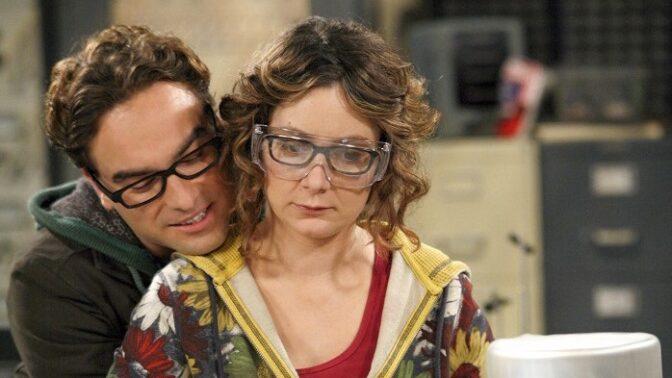 Herečka ze seriálu Teorie velkého třesku: Rozvádí se s manželkou, slavnou zpěvačkou Lindou Perry
