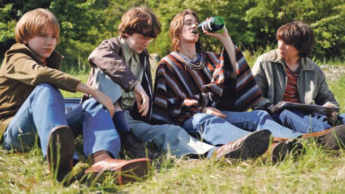 Komedie Občanský průkaz: Dětští herci kouřili místo cigaret sušené byliny a mech