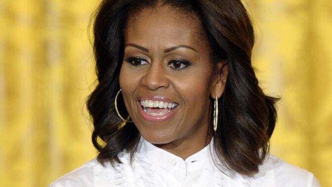 Bývalá první dáma Michelle Obamová slaví 56. narozeniny. Její předci byli otroci, otec tvrdě dřel až do smrti