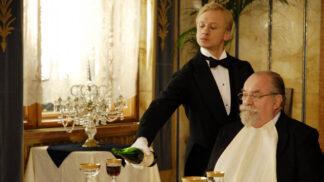 Obsluhoval jsem anglického krále: Ve filmu hráli skuteční invalidé, modelky přišly oholené