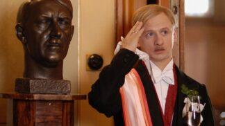"""Ten, který """"obsluhoval anglického krále"""". Bulharský herec Ivan Barnev se později vrhl na horor, byl to průšvih"""